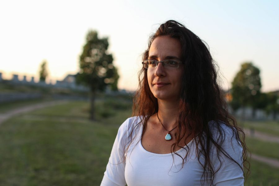 Spoluzakladateľka a správkyňa prírodného cintorína Záhrada spomienok vo Zvolene Andrea Uherková